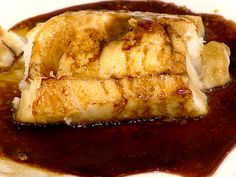 How to make Hoda Kotb's 3-step fish dish-Place the sea bass into the pan and pour about a quarter-inch worth of Ponzu sauce over it. Hoda said the fish should be baked for 30 minutes at 350 degrees. 3 items: oven-proof frying pan, piece of skinned Chilean sea bass, bottle of Ponzu