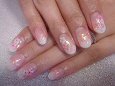 キャンペーンの桜ネイル白グラデにピンクの桜が可愛いです~