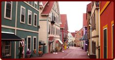 I just stumbled upon this litte mini European-like village in Pennsylvania.  Looks like a fun day trip to Adamstown, PA.