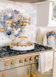 Blue White and Gold Christmas Home Tour #christmasdecor #christmas #Hanukkah #Hanukkahdecor #holidaydecor #clueandgold #blueandwhite #blueandgoldchristmasdecor #blueandwhitechristmasdecor #imdreamingofawhitechristmas #gingerjars #chinoisserie #bluegingerjars #whitegingerjars #gold #blue #white #holiday #bottlebrushtree #bottlebrushchristmastrees #christmastree #manteldecor #christmasmantel #stockings #whitestockings #christmaskitchen Christmas Kitchen, Blue Christmas, Christmas Home, Christmas Ideas, Christmas Hanukkah, Christmas Mantels, Christmas Decorations, Holiday Decor, Family Room Colors