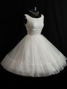 Vintage 1950's 50s Ruched White Chiffon Organza Satin Party Prom