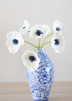 Wedding Flower Real Touch Poppy Bundle in White with Navy Center - Tall - White with Navy Blue Center Tall x Wide 6 Blooms, Wide Real Touch, Flocked Stem Tied with Raffia Shop All Artificial Poppies and Anemones Faux Flowers, Silk Flowers, Paper Flowers, Beautiful Flowers, Silk Floral Arrangements, Wedding Flower Arrangements, Wedding Flowers, Flower Vases, Flower Art