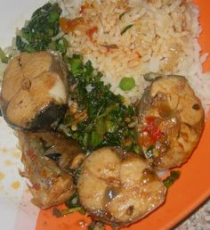 My boiled Rice With titus peppered fish and Green vegetables How To Boil Rice, Fish Stock, Nigerian Food, Soup, Stuffed Peppers, Meat, Chicken, Vegetables, Green