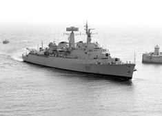 HMS Devonshire D02 County class Batch 1 Guided Missile Destroyer Navy Ships, Power Boats, Submarines, Historical Pictures, Royal Navy, Battleship, Military History, Malta, Sailing Ships