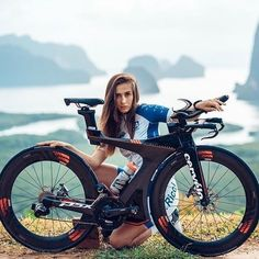 As a beginner mountain cyclist, it is quite natural for you to get a bit overloaded with all the mtb devices that you see in a bike shop or shop. There are numerous types of mountain bike accessori… Mountain Bike Accessories, Cool Bike Accessories, Fully Bike, Bmx, Trajes Kylie Jenner, Female Cyclist, Cycling Girls, Road Bike Women, Bicycle Girl