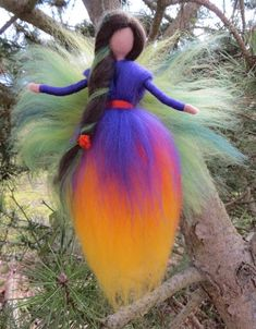 Best 12 ******** Delicate fairy, wrapped in wool by Waldorf style and felted with the needle:-) The arms are mobile. Waldorf Crafts, Waldorf Dolls, Felt Crafts Patterns, Felt Angel, Wool Dolls, Needle Felting Tutorials, Felt Fairy, Felt Decorations, Fairy Dolls