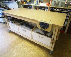new workbench /assembly table - by StudioFormaat @ LumberJocks.com ~ woodworking community