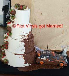 Subaru , wedding cake idea.