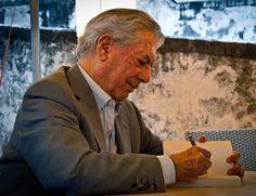 Premio Nobel de Literatura Mario Vargas Llosa recomienda estos nueve obras impresc...