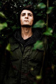 Man in Green Jacket Standing Outdoor · Free Stock Photo Black Photography, Outdoor Photography, Portrait Photography, Dark Men, Outdoor Men, Dark Fashion, Fashion Fashion, Green Jacket, Free Stock Photos