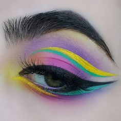 Talented and original makeup artist @Sharclermua