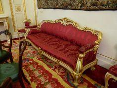 Goldsmiths' Company Sofa Ref 2351