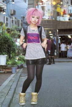 pink hair, crazy style, love Japan :)