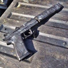 HK USP45 #weapon #weapons #gun #guns #pistol #rifle #sniper #glock #shoot #ammo #bullets #shootingrange #target #hunting #gunporn