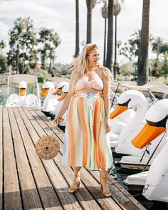 This summer my main goal is to get out there and EXPLORE! From my own neighborhood, city, state (like this cute little swan boat moment… Best Tanning Oil, Divas, Lantern Centerpiece Wedding, Wedding Centerpieces, Modelos Plus Size, Plus Size Bikini, Moda Plus Size, Summer Cocktails, Cute Summer Outfits