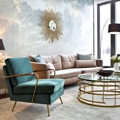 Are you looking to brighten up a dull room and searching for interior design tips? One great way to help you liven up a room is by painting and giving it a whole new look. Casa Retro, Best Interior Design Websites, Interior Design Studio, Look Retro, Modern Retro, Modern Art, Glam Living Room, Living Room Decor, Bedroom Decor