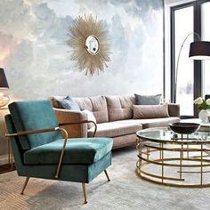 Meetingraum deluxe! ✨ Glamourös, exotisch und ein Hauch von Retro – dieser Sonnenspiegel ist die Hollywood-Diva der Interior-Stile. // gold