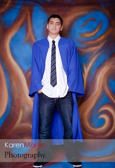 Graduation portrait Source by College Graduation Photos, Graduation Picture Poses, Graduation Portraits, Graduation Photoshoot, Grad Pics, Graduation Pictures, Senior Portraits, Graduation Suits, Graduation Ideas