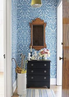Small Space Solutions - bold wallpaper in an entrance. via Country Home Deco Turquoise, Turquoise Walls, Bleu Turquoise, Teal Blue, Color Blue, Color Pop, Dark Blue, Light Blue, Yellow