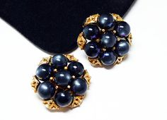 Iridescent Black Bead Earrings - Pearlescent beaded Clip on Earrings - Gold Tone Filigree Accents - Vintage 1950's 1960's Era