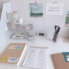 To inspire you desk organization when you need your special work place 12 – fugar.sepatula To inspire you desk organization when you need your special work place 12 – fugar. Study Room Decor, Study Rooms, Study Space, Bedroom Decor, Desk Space, Study Areas, Desk Inspo, Desk Inspiration, Study Corner