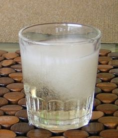 """A """"tequila slammer"""" is a shot that is made up of equal amounts of tequila and a carbonated beverage, typically a lemon-lime citrus soda Up, Sprite, etc.) or ginger ale. (The drink is called a """"slammer royale"""" when it is made with Champagne. Tequila Mixed Drinks, Mix Drinks, Party Food And Drinks, Cocktail Drinks, Cocktails, Beverage Cart, Drink Cart, Carbonated Drinks, Alcoholic Beverages"""