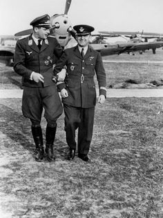 Romanian Luftwaffe pilot Alexandru Popisteanu (right) with a Luftwaffe officer