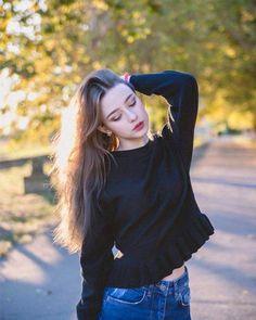 Dasha Taran Lovely Picture and Photo - Hotgirl. Cute Girl Face, Cute Girl Photo, Cool Girl, Lesbian Hot, Summer Makeup Looks, Foto Casual, Stylish Girl Pic, Foto Instagram, Beautiful Hijab