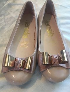 "Cute Taupe Gold Bow ""Kensie Girl"" Slip on Girls Shoes Size 1 