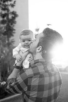 must have a shot of my hubby & baby like this!!!!!!!!! <3