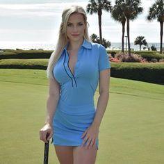 Happy girl when on a golf course. Girls Golf, Ladies Golf, Sexy Dresses, Short Sleeve Dresses, Beauté Blonde, Pernas Sexy, Sexy Golf, Looks Pinterest, Gorgeous Women