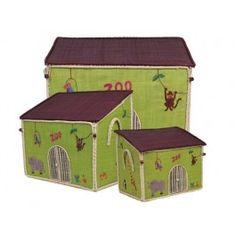 Krimskramskiste in Zooform von RICE. Größe der großen Kiste: 54 x 44 x 34 cm, Größe der mittleren Kiste: 47 x 39 x 29 cm, Größe der kleinen Kiste: 40 x 33 x 25 cm. Alle 3 Größen passen perfekt ineinander. Alle Größen sind jeweils einzeln bestellbar, das 3er-Set enthält je eine kleine, mittlere und große Kiste.