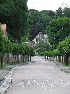 My French Country My French Country Home, French Home Decor, Country Home Exteriors, Country Homes, Paris Neighborhoods, House Design Photos, Beautiful Space, The Great Outdoors, Future House