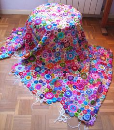 Ganchillo de flores by fperezajates, via Flickr... good idea for left over yarns