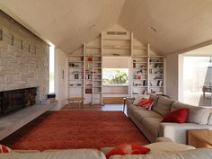 Nestled within a landscape of coastal dunes, the Barwon Heads House 2 recalls childhood memories of summer. Amazing Architecture, Interior Architecture, Interior Design, Sally Draper, Sandstone Fireplace, Bookcase Shelves, Shelving, Shed Homes, Flooring Options
