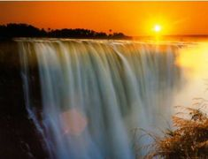 Victoria Falls - Salty Sam's Fun Blog for Children - Post 308 Waterfalls * LOADS OF COOL STUFF FOR KIDS * KIDS CRAFT TUTORIALS * FREE DOWNLOADS – www.christina-sinclair.com Oh The Places You'll Go, Places To Travel, Places To Visit, Chutes Victoria, Beautiful World, Beautiful Places, Beautiful Sunset, Amazing Places, Chobe National Park