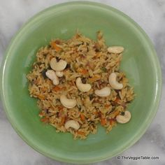 Spicy Jasmine Rice - An easy recipe for colorful, spicy jasmine rice. http://www.theveggietable.com/blog/vegetarian-recipes/appetizers-side-dishes/spicy-jasmine-rice/