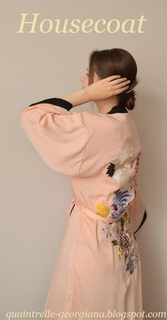 The story of dressing gown Japanese Embroidery, Sashiko Embroidery, Kimono Dressing Gown, Fashion Group, Hand Embroidery Designs, Japanese Kimono, Outfit Posts, Fashion History, Personal Style