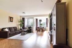 Te koop: Ruimzicht 213, Amsterdam - Hoekstra en van Eck - Méér makelaar - Instap klaar, verrassend veel woonruimte, sfeervol en zonnig! Dit prachtige appartement is gelegen op de 7e verdieping van een keurig appartementencomplex, gelegen aan de Sloterplas met gratis parkeergelegenheid.