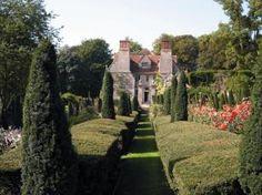 Garsington Manor, country retreat of Lady Ottoline Morrell.