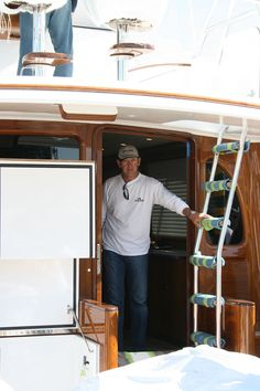 #TRANSOM: Uno Mas, Bikini #Boat #Transom #BoatTransom  TRANSOM #TECHNIQUE: #CustomGraphics    #BOAT #BUILDER #BoatBuilder: #BaylissBoatworks, #NorthCarolina