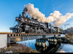 Net Photo: NH 3025 Valley Railroad Steam at Deep River, Connecticut by Kevin Madore Old Trains, Vintage Trains, Old Steam Train, Train Art, Train Pictures, Train Engines, Steam Engine, Steam Locomotive, Train Tracks