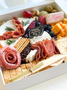 Meat, cheese, bread, dip, something sweet and savoury! Charcuterie Gifts, Charcuterie Recipes, Charcuterie Platter, Charcuterie And Cheese Board, Cheese Boards, Snack Platter, Party Food Platters, Cheese Platters, Grazing Food