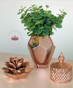 Glamour Decor, Home Decor Items, Home Decor Accessories, Apartment Decorating On A Budget, Small Room Decor, Rose Decor, Creation Deco, Copper Rose, Aesthetic Room Decor