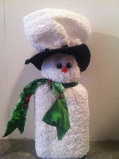 Wrap a Washcloth round a bar of Soap to make this cute Snowman Christmas gift!
