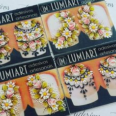 """""""Bem me quer, mal me quer  Bem me quer, mal me quer... Bem me quer!!!"""" Suas unhas querem um adesivo com a qualidade que só a Lumiart oferece!  #belezanodetalhe #art #nails Mini One, Flower Nails, Nail Flowers, One Stroke Painting, Beautiful Nail Designs, Nail Arts, Pedicure, Health And Beauty, Projects To Try"""