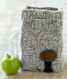 Knitting Pattern: Felted Lunch Bag.