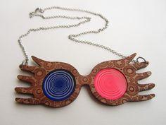 Création originale. Collier lunettes de Luna Lovegood de Harry Potter. Disponible sur Etsy.