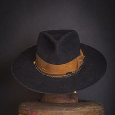 beaver felt fedora, made in USA Vintage Fashion 1950s, Vintage Hats, Victorian Fashion, Steampunk Fashion, Gothic Fashion, Mens Dress Hats, Hats For Men, Women Hats, Hat Men
