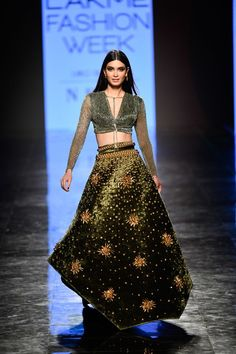 Indian Attire, Indian Outfits, Pool Party Outfits, Indian Designer Suits, Designer Wear, Lakme Fashion Week, Fashion Weeks, Green Gown, Backless Prom Dresses
